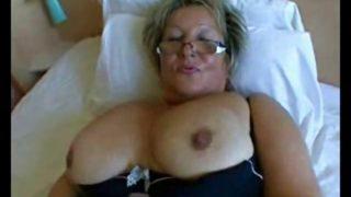 Fette Oma anal gefickt und in den Mund gespritzt!
